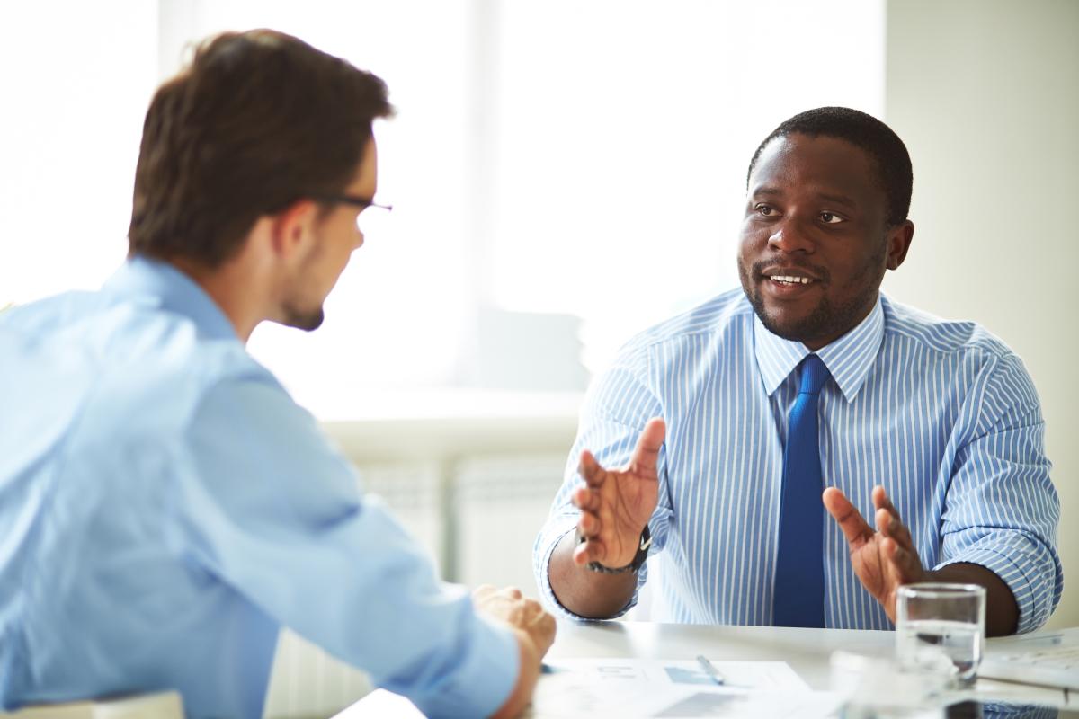 Comment exprimer des critiques constructives ?
